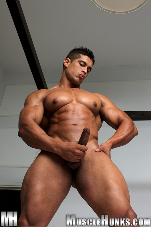 Ideal Muscular Hunks Naked HD