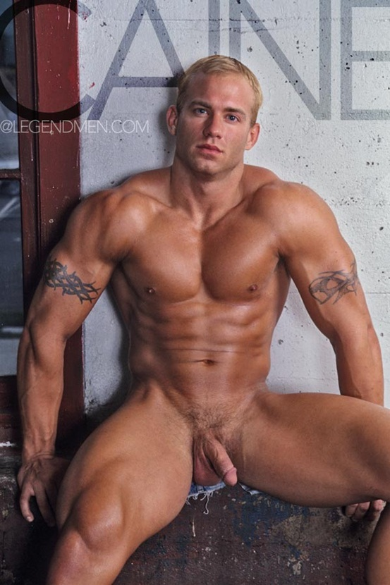 Caine Carson Ripped Muscle Bodybuilder Strips Naked And Strokes His