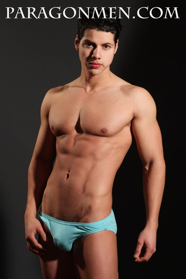 Gay-porn-pics-02-Lupe-Viscarra-Paragon-Men-all-american-boy-naked-muscle-men-nude-bodybuilder-photo