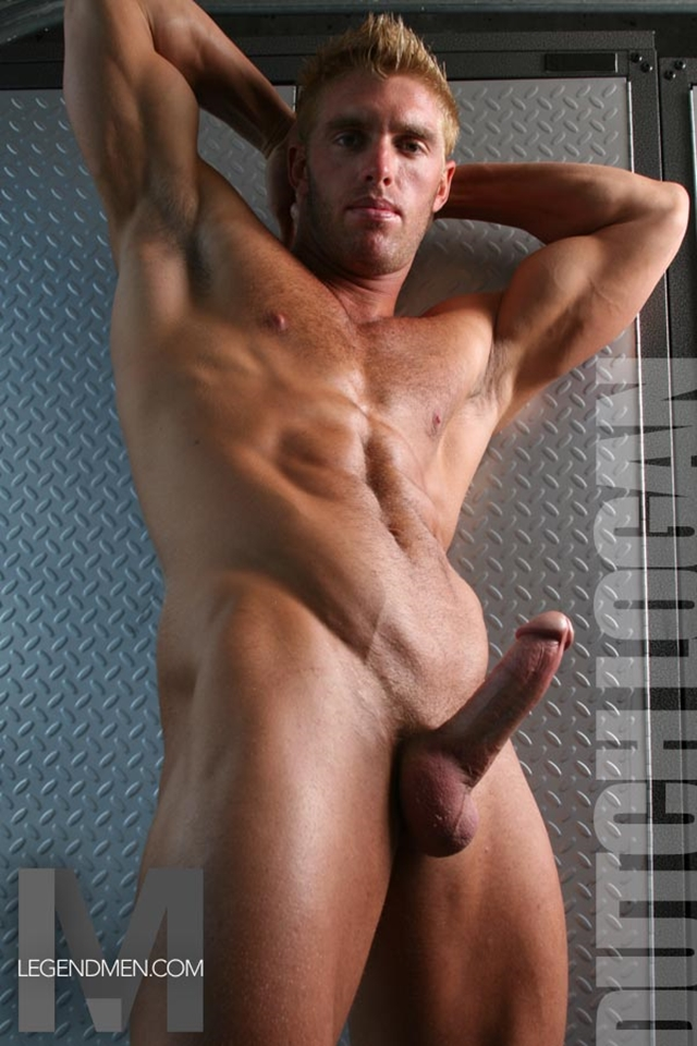 Extrem muscled boy fuck german milf 10