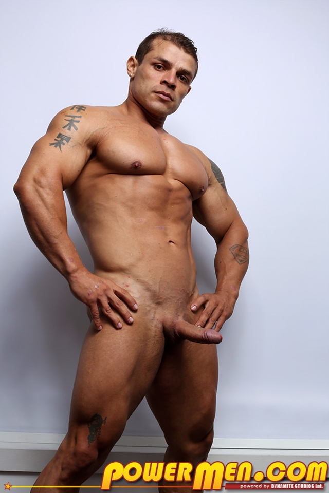 Muscled-bodybuilder-Clayton-Cobb-PowerMen-nude-gay-porn-muscle-men-hunks-big-uncut-cocks-tattooed-ripped-bodies-hung-06--pics-gallery-tube-video-photo