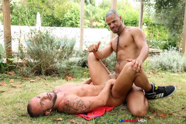 Craig-Farrel-and-Delta-Kobra-UKNakedMen-hairy-young-men-muscle-studs-British-gay-porn-English-Guys-Uncut-Cocks-06-gallery-video-photo - copia