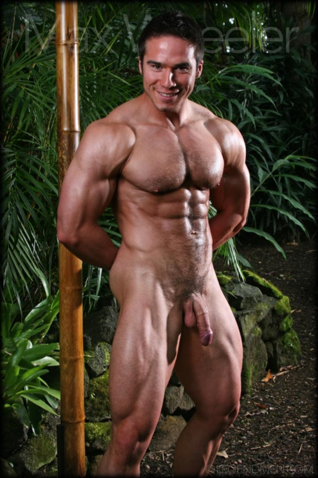Hot sexy naked muscle men found