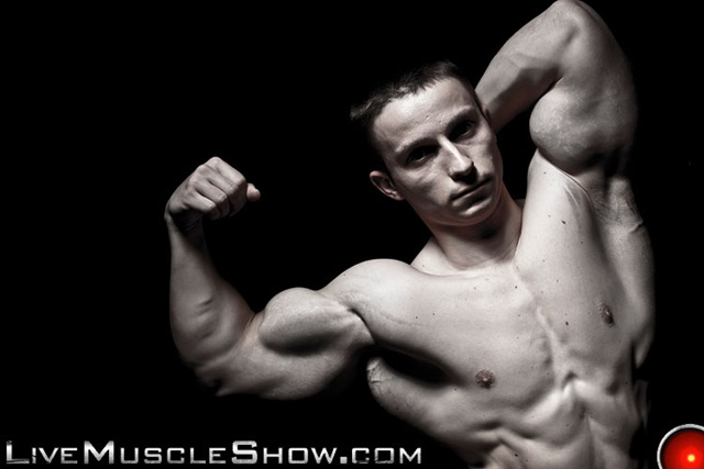 Pavel-Nikolay-Live-Muscle-Show-Gay-Porn-Naked-Bodybuilder-nude-bodybuilders-gay-fuck-muscles-big-muscle-men-gay-sex-002-gallery-video-photo