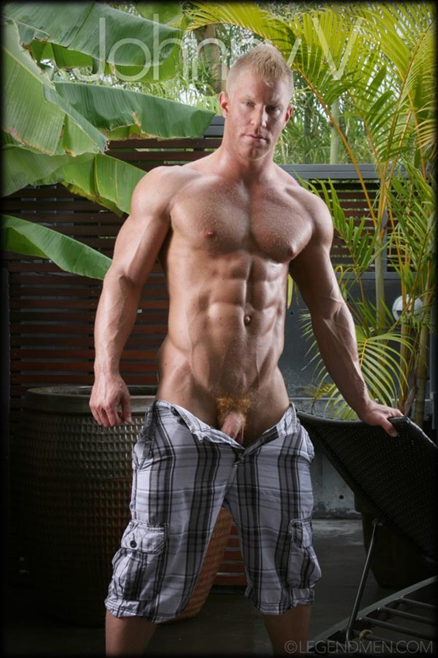 Johnny-V-Legend-Men-Gay-Porn-Stars-Muscle-Men-naked-bodybuilder-nude-bodybuilders-big-muscle-huge-cock-001-gallery-video-photo