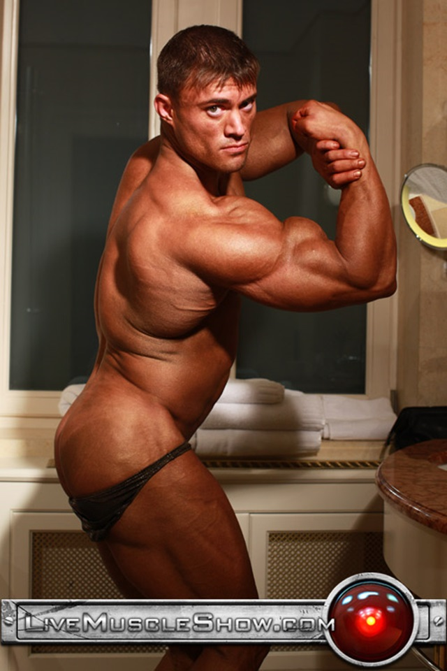 Rocky-Remington-Live-Muscle-Show-Gay-Porn-Naked-Bodybuilder-nude-bodybuilders-gay-fuck-muscles-big-muscle-men-gay-sex-002-gallery-video-photo