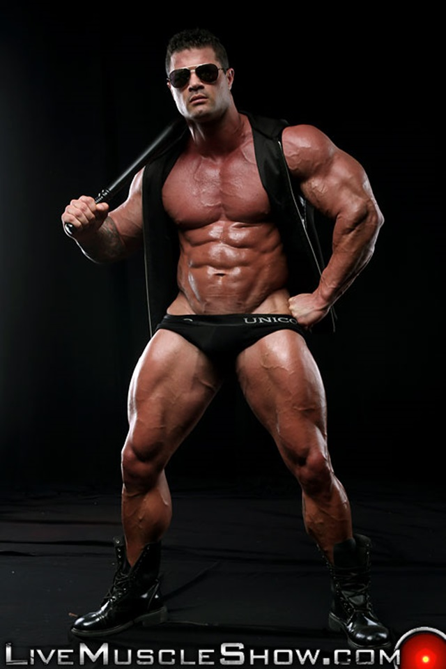 Kurt-Beckmann-Live-Muscle-Show-Gay-Porn-Naked-Bodybuilder-nude-bodybuilders-gay-fuck-muscles-big-muscle-men-gay-sex-007-gallery-photo