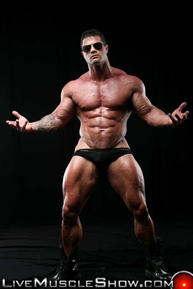 Kurt-Beckmann-Live-Muscle-Show-Gay-Porn-Naked-Bodybuilder-nude-bodybuilders-gay-fuck-muscles-big-muscle-men-gay-sex-012-gallery-photo