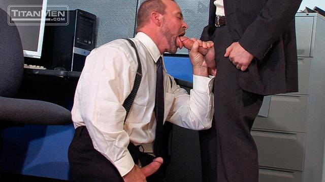 Titan-Men-Adam-Russo-unzips-Casey-Williams-swordplay-precum-dick-suck-hot-oral-fuck-throat-mouth-Fuckin-dick-001-male-tube-red-tube-gallery-photo
