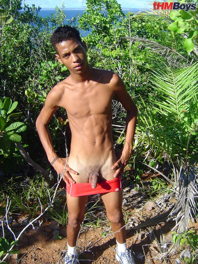 HMBoys-young-black-boy-Junior-swimwear-outdoors-jerks-small-boy-cock-spurts-boy-cum-brown-skin-010-male-tube-red-tube-gallery-photo