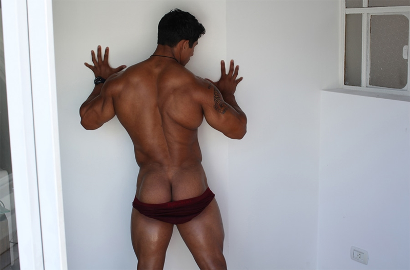 Naked Asian Muscle Men