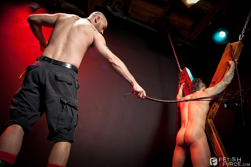 FistingCentral-Tony-Buff-dark-room-Draven-Torres-St-Andrews-cross-taskmaster-Mohawk-muscle-flogging-raised-welts-014-tube-download-torrent-gallery-sexpics-photo
