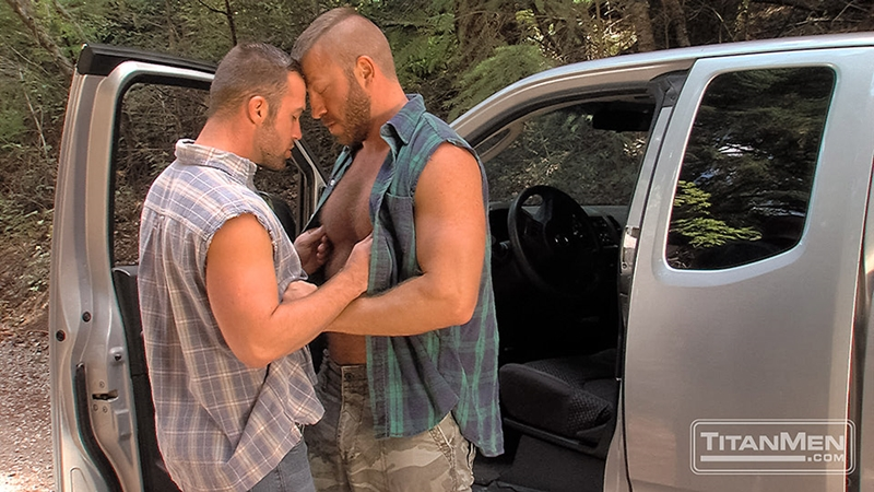 TitanMen-outdoors-gay-sex-woods-Hunter-Marx-Trent-Davis-sucks-big-muscle-cock-stroking-rimming-butt-man-hole-hairy-pecs-Fucking-004-tube-video-gay-porn-gallery-sexpics-photo