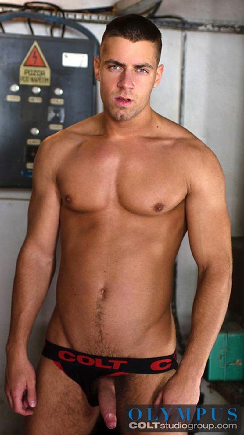 Gay naked man pics