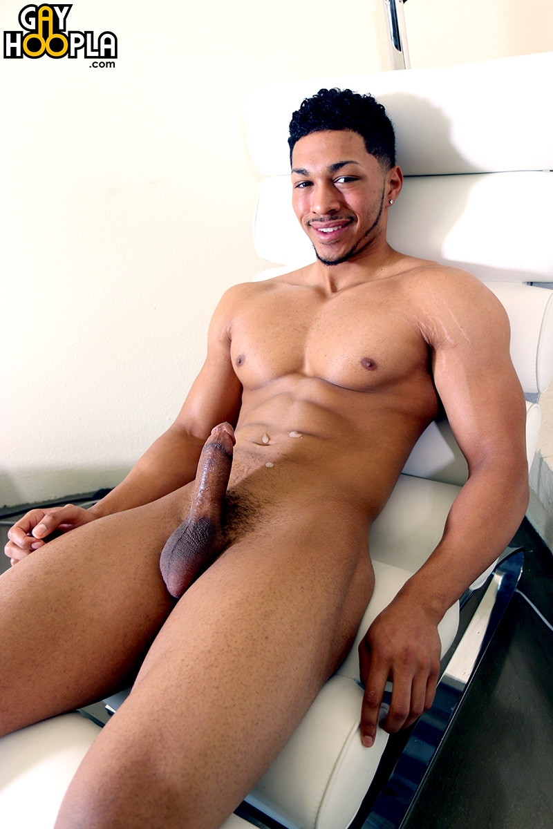 Ripped Muscle Dude Andre Temple Jerks His Huge Black Muscle Dick  Naked Man Blog-9295