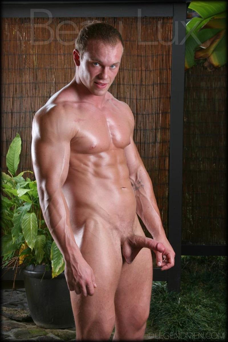 man pics Naked