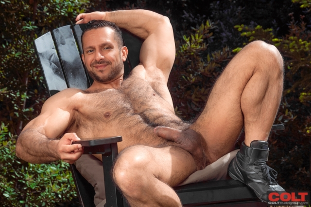 Hot hairy naked jocks