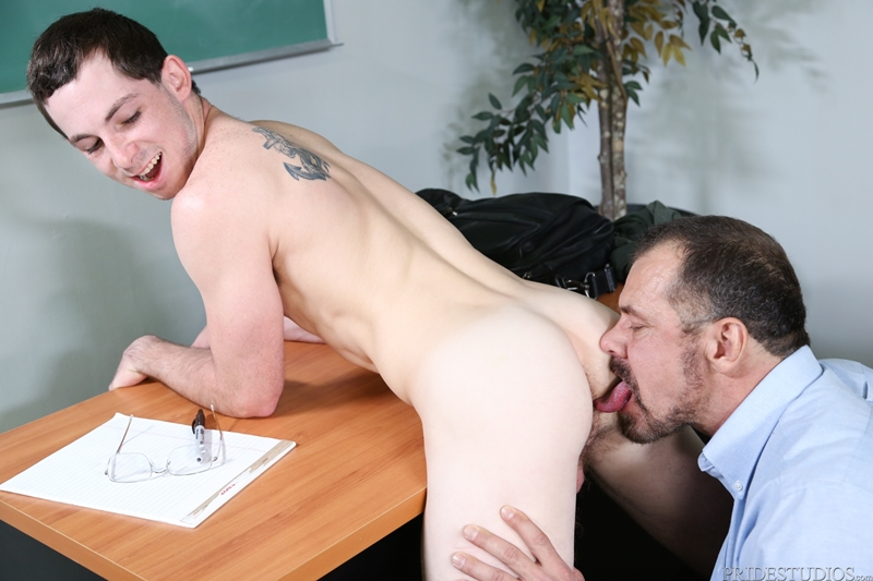 Max Sargent gives Toby Springs' virgin ass a deep intimate pounding