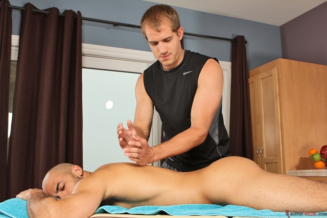 Flip-flop-fuck-massage-Austin-Wilde-and-Brandon-Lewis-massage-sexploits-01-Ripped-Muscle-Bodybuilder-Strips-Naked-and-Strokes-His-Big-Hard-Cock-torrent-photo