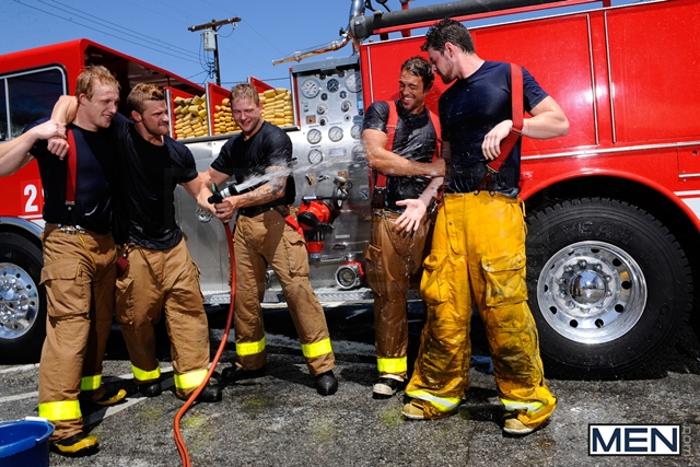 Hot-naked-Firemen-with-Rocco-Reed-Colby-Jansen-Andrew-Stark-Jizz-Orgy-01-Ripped-Muscle-Bodybuilder-Strips-Naked-and-Strokes-His-Big-Hard-Cock-torrent-photo