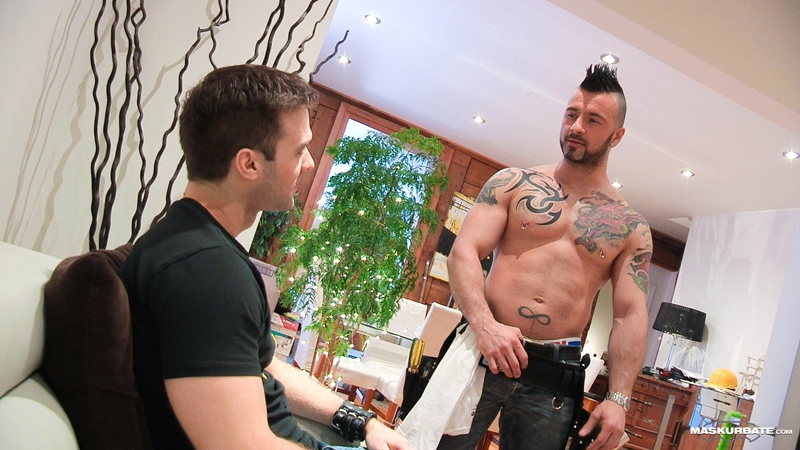 Tattooed muscle hunk Manuel Deboxer fucks Gabriel Clark's tight asshole