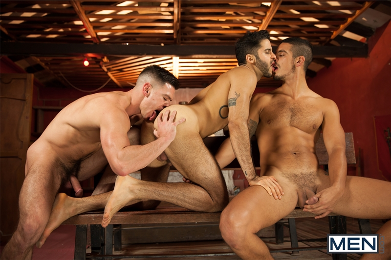 Gay threesome Paddy O'Brian, Tony Milan and John Fink fucking