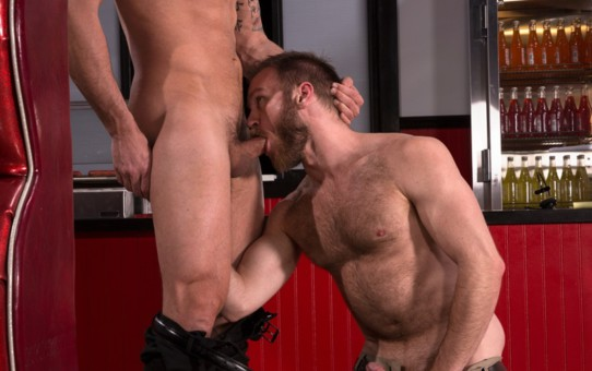 Dakota Rivers stuffs his huge man meat into Peter Marcus' tight ass hole fucking him good