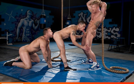 Hardcore ass fucking trio Johnny V, Austin Wolf and Jeremy Spreadums big dicks orgy