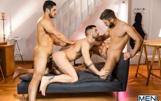Sexy naked hunks Dato Foland, Hector De Silva and Sunny Colucci hardcore ass fucking orgy