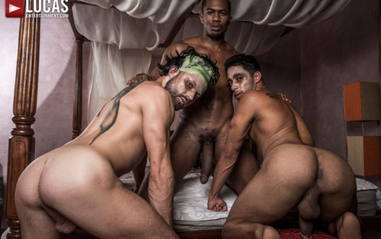Hot bareback ass fucking threesome Drae Axtell, James Castle and Sean Xavier fuck raw