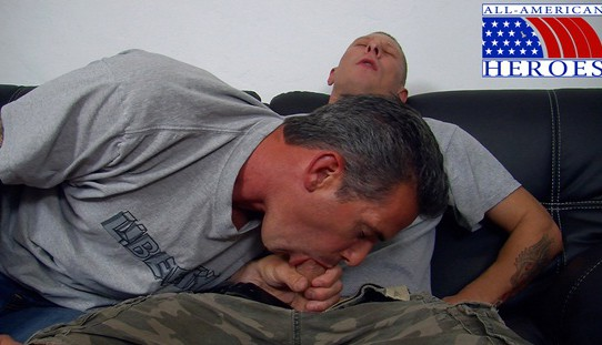 Army private Tyler cums in the mouth of beefy damage controlman Michael