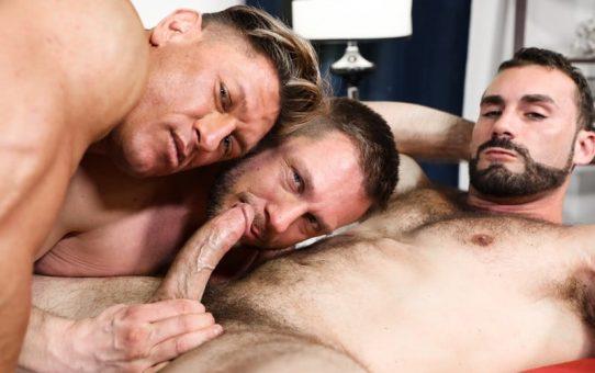 Hardcore big dick threesome Bryce Evans, Jaxton Wheeler and Hans Berlin sucking huge dicks