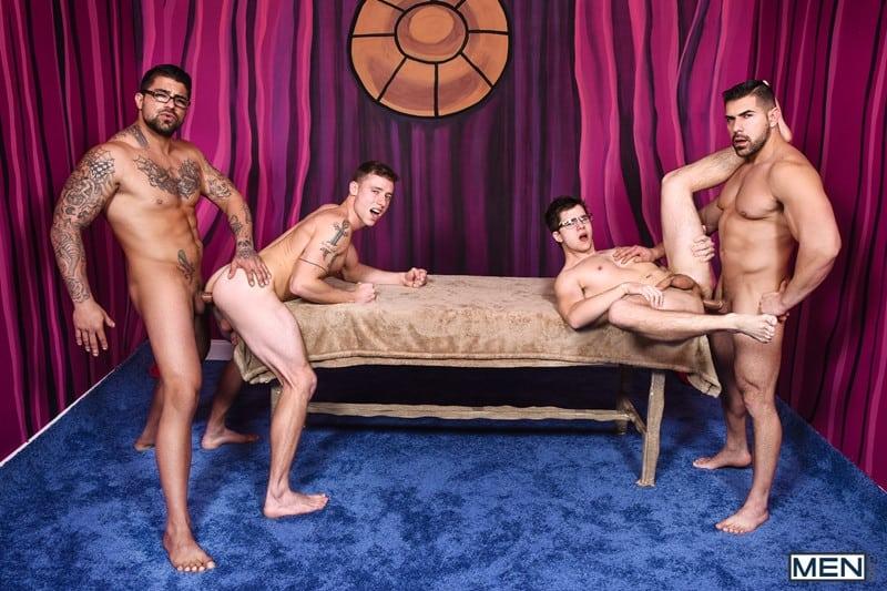Men for Men Blog Gay-Porn-Pics-011-Damien-Stone-Justin-Matthews-Ryan-Bones-Will-Braun-Muscle-bound-stud-hardcore-ass-fucking-orgy-Men Muscle bound stud Damien Stone, Justin Matthews, Ryan Bones and Will Braun hardcore ass fucking orgy Men